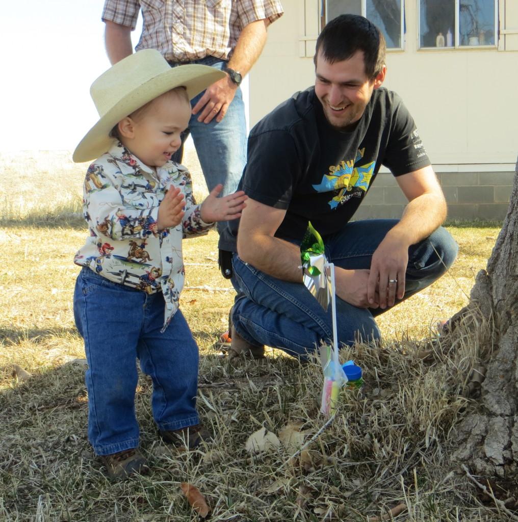 discovering Easter pinwheel